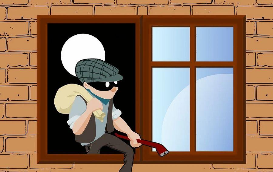 ne laissez jamais votre maison sans surveillance car les cambrioleurs rodent